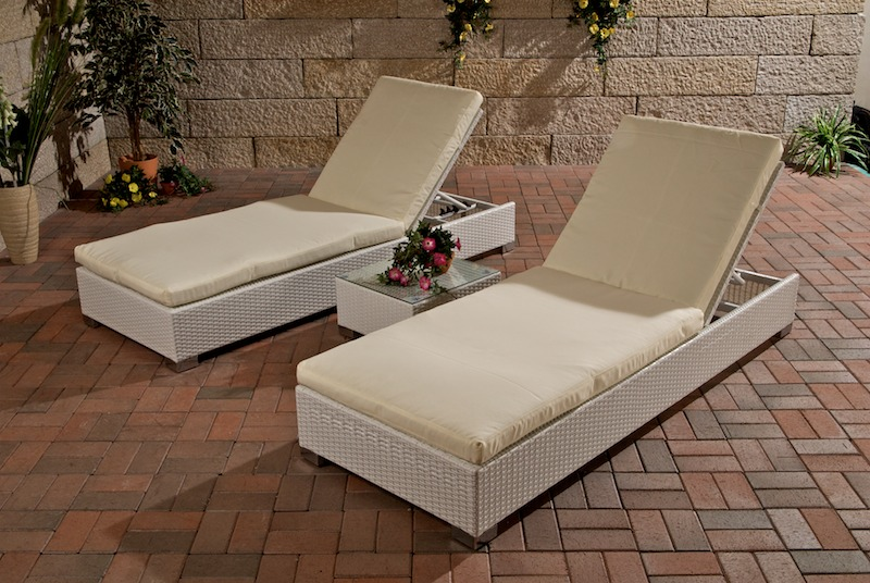 2x sonnenliege beistelltisch sonnenliegen weiss neu aus polyrattan wei alu ebay. Black Bedroom Furniture Sets. Home Design Ideas